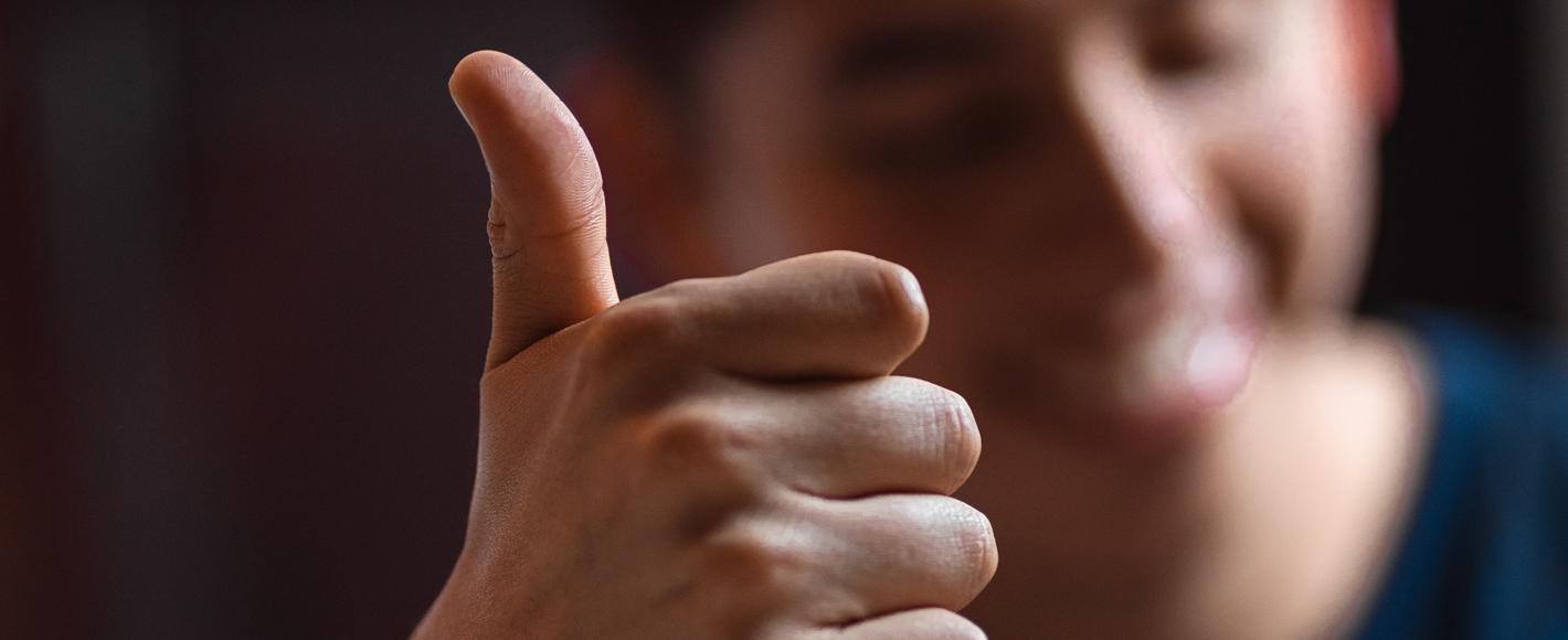 Thumbs-up-johan-godinez-dDYRYivNzbI-unsplash