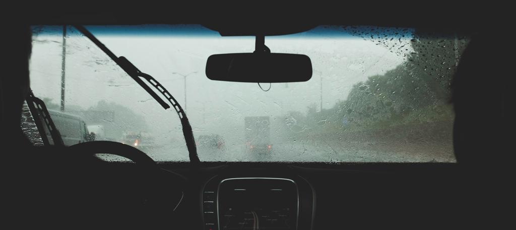 Windscreen-wipers-charlie-deets-IBPgeshzHvs-unsplash