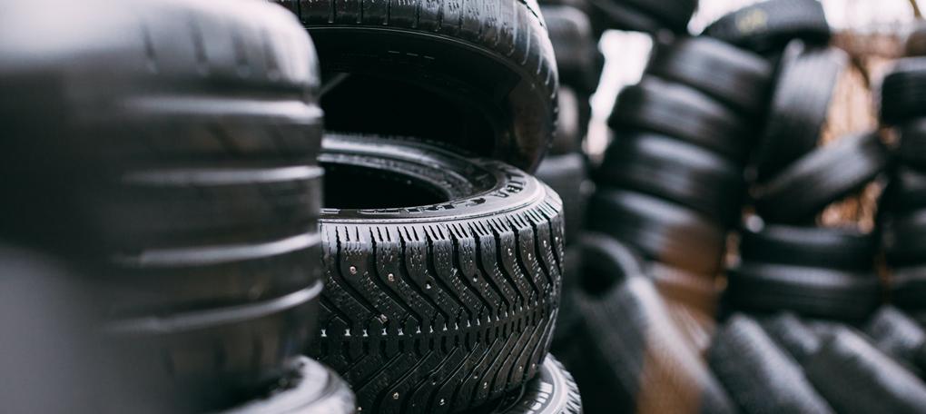 Tyres-robert-laursoo-WHPOFFzY9gU-unsplash