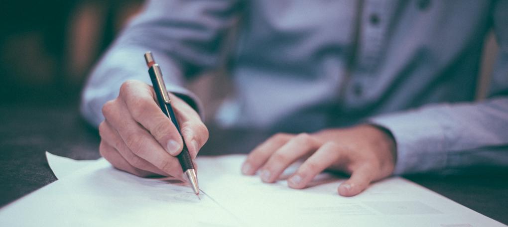 Legal-agreements-scott-graham-OQMZwNd3ThU-unsplash