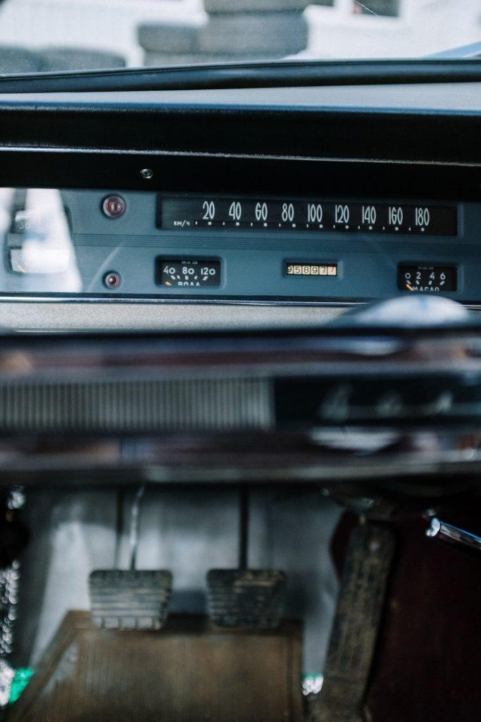 Car-showing-foot-pedals-pexels-cottonbro-4480521